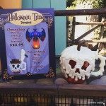 Dining in Disneyland: Halloween Time Poison Apple Mugs and Poison Apple Glow Cubes
