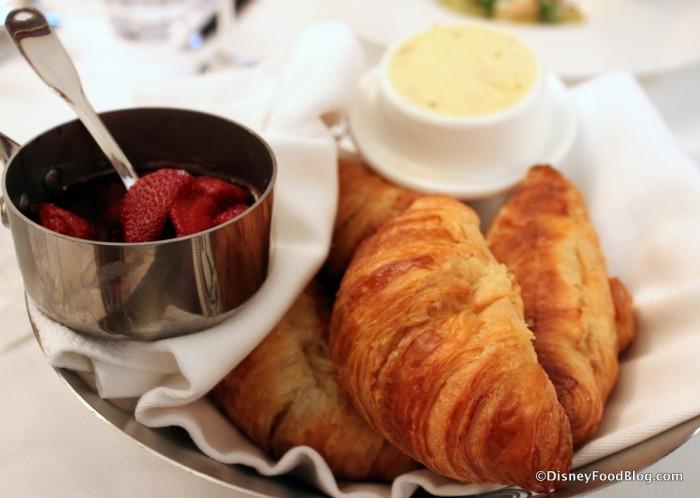 Croissant Basket
