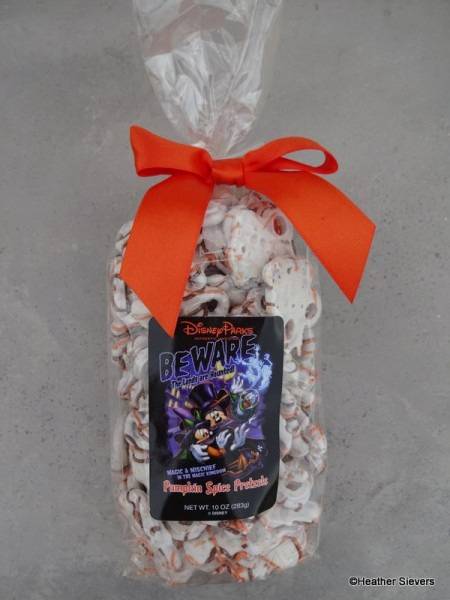Pumpkin Spice Chocolate Covered Pretzels
