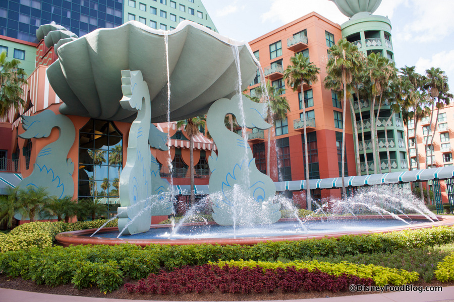 Review The Fountain At The Walt Disney World Swan And Dolphin