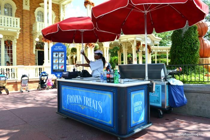 Main Street USA Ice Cream Cart