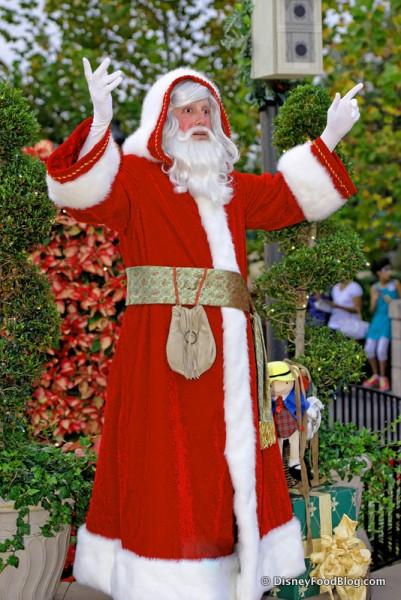 Père Noël Sharing French Christmas Traditions