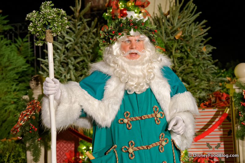 United Kingdom Christmas.What Santa Claus Looks Like Around The World Insider