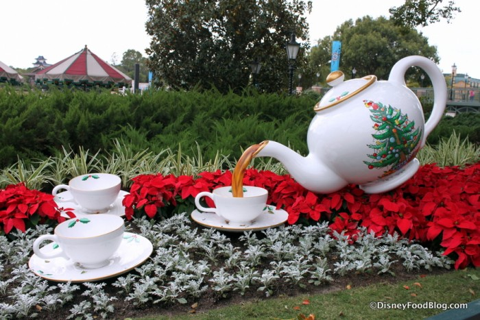 Epcot UK Christmas Tea Topiary