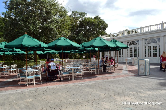 Outdoor Seating Area at Liberty Inn