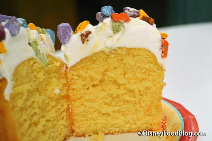 BB-8 Lemon Cupcake With Vanilla Buttercream Cross-Secion