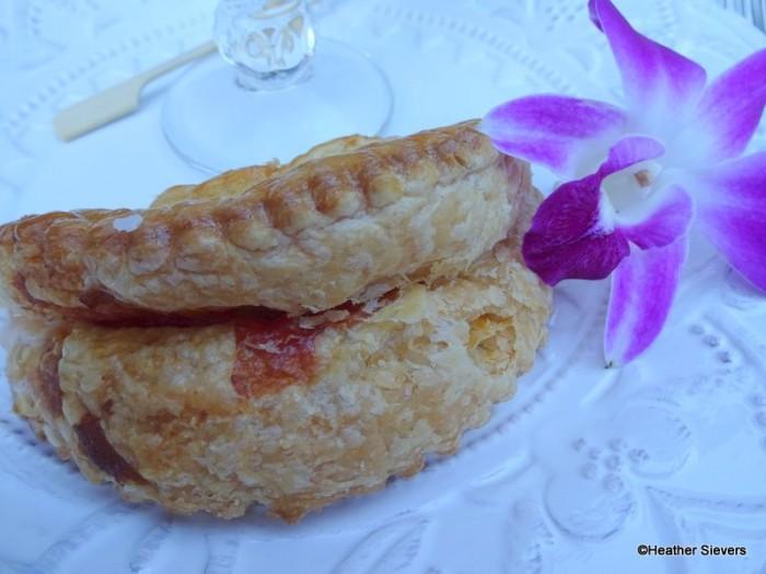Guava & Cream Cheese Emapnada