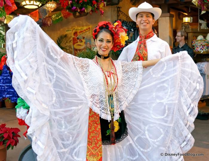 Holidays around the world Mexico pavilion 14-005