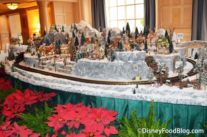 Yacht Club Train Display