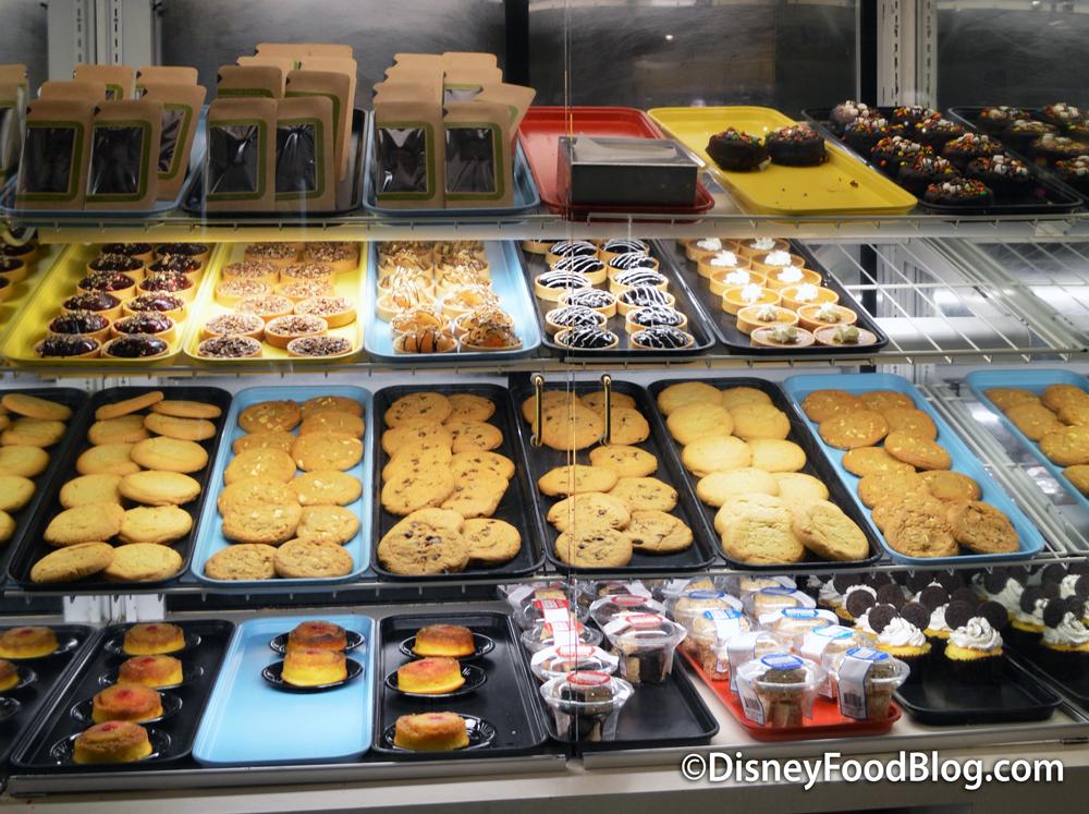 Review Mini Dessert Tarts At Pop Century S Everything Pop