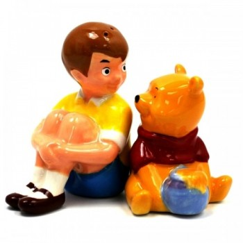 Christopher-Robin-Pooh-Salt-Pepper-Shakers-500x500