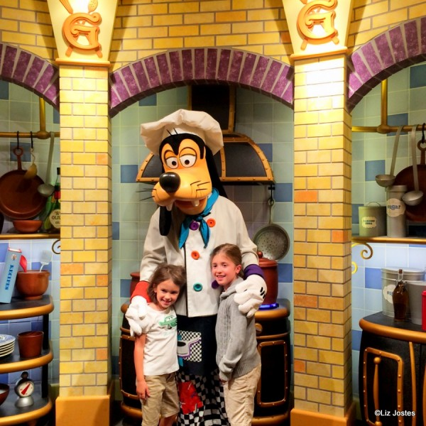 Guest Review: Breakfast at Goofy's Kitchen at the Disneyland Hotel