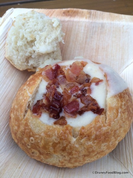 White Cheddar Ale and Bacon Soup Boudin Boule