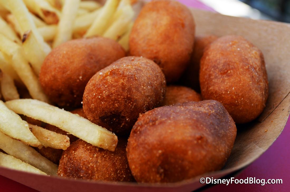 Casey Hot Dog Disney