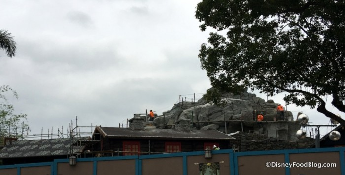 Construction in the Norway Pavilion