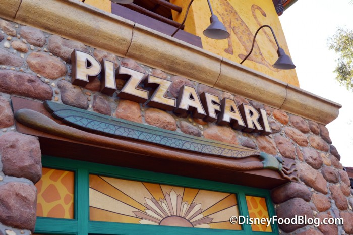 Pizzafari Sign