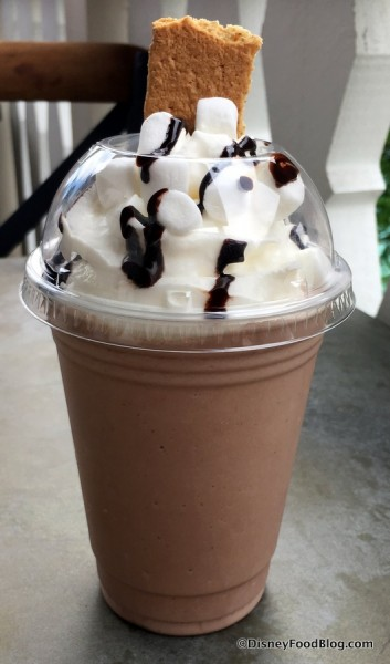 S'mores Shake at D-Luxe Burger