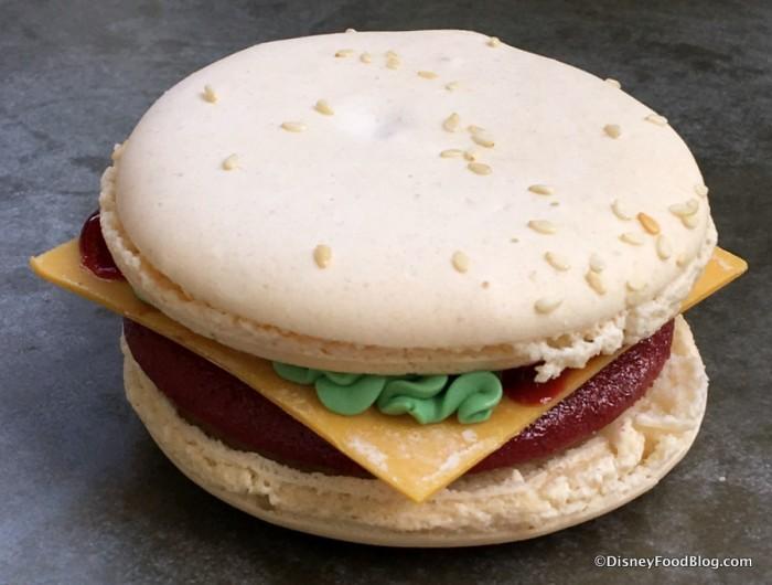 Red Velvet Burger Macaron