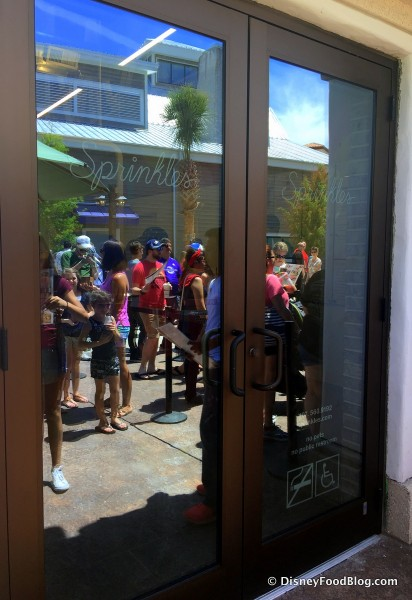 Sprinkles Entrance -- And Opening Day Lines!