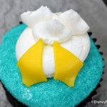 Review: Donald Duck Butt Cupcake from Magic Kingdom's Main Street Bakery