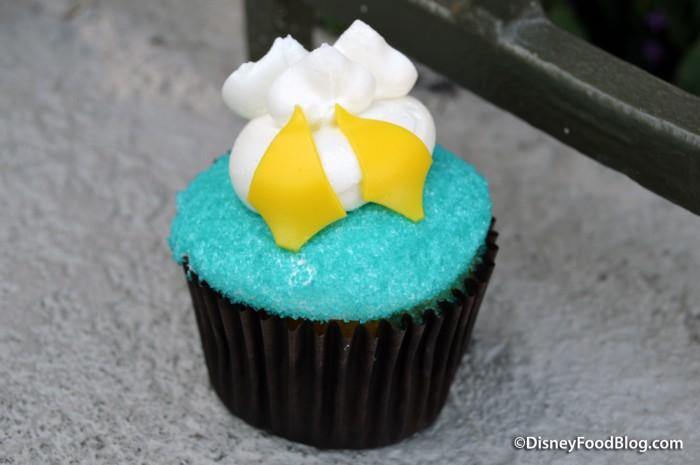 Donald Duck Butt Cupcake!