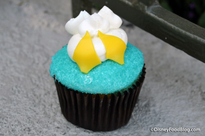 Donald Duck Butt Cupcake!