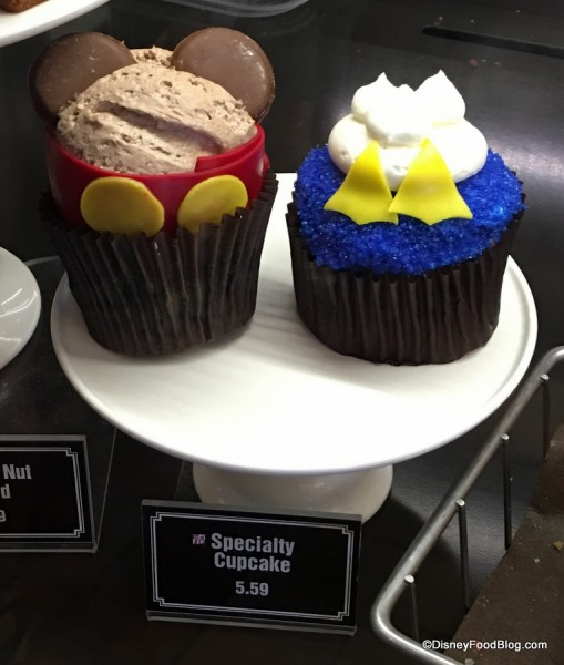 Mickey Mouse and Donald Duck Cupcakes