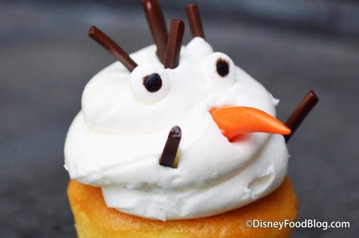 Olaf Vanilla Mini Cupcake Icing