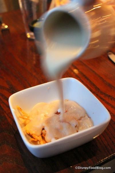 Crema de Elote -- Pouring the Soup