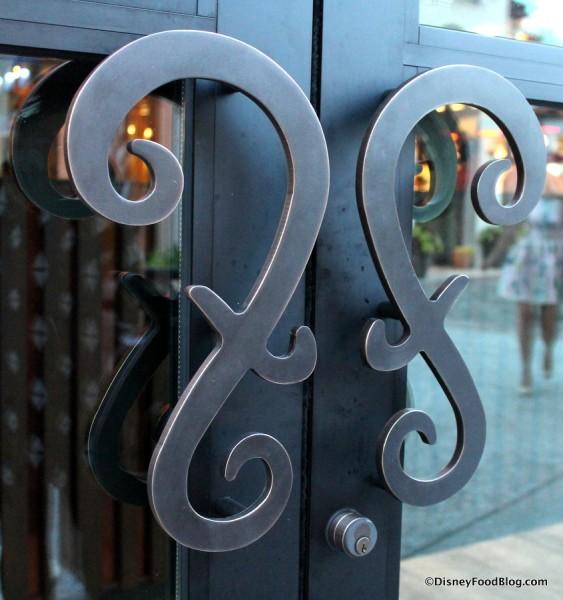 Door handles at Frontera Cocina