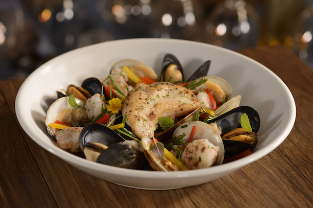 News flying fish to reopen august 3rd on disney world s for Flying fish disney menu