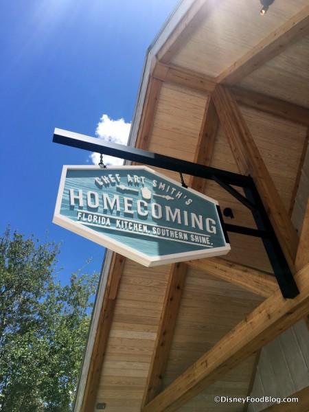 Homecoming sign