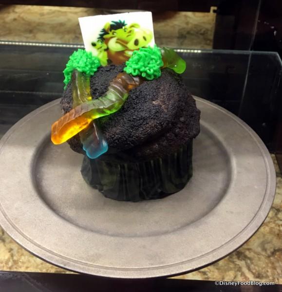Dirt & Worms Cupcake