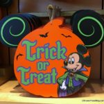 Disneyland Hotels Offer Trick or Treating and Halloween Decor