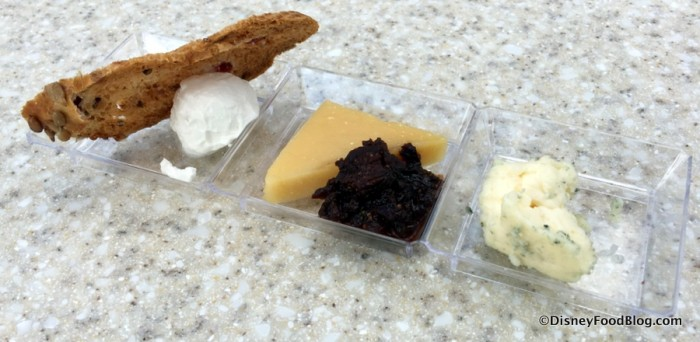 epcot-food-and-wine-festival-2016-the-wine-and-dine-studio-artist-palette-of-wine-and-cheese-trio-of-artisan-cheese-1