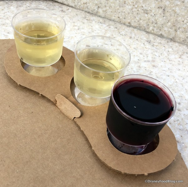 epcot-food-and-wine-festival-2016-the-wine-and-dine-studio-artist-palette-of-wine-and-cheese-wine-flight-1