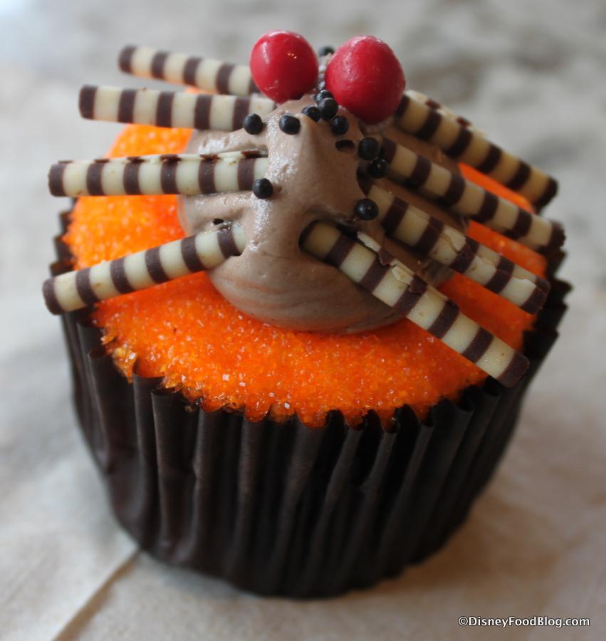 Review Disney Halloween Cupcake And The Starbucks Pumpkin