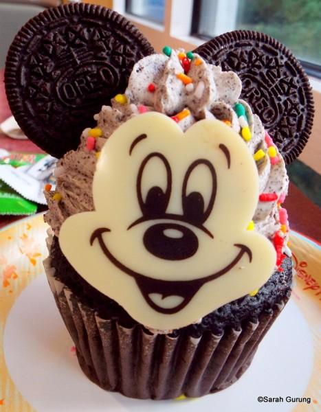 Mickey Oreo Cupcake