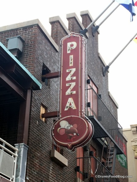PizzeRizzo sign
