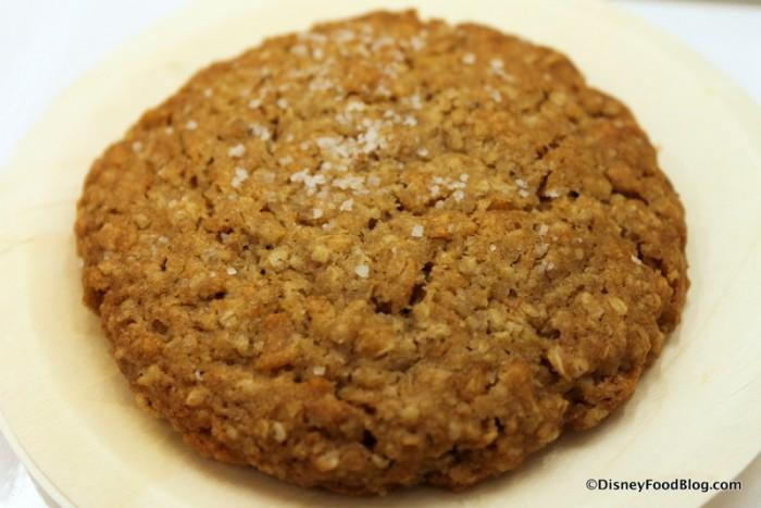 Salted Oatmeal Cornflake Cookie