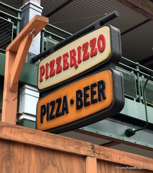 PizzeRizzo signs