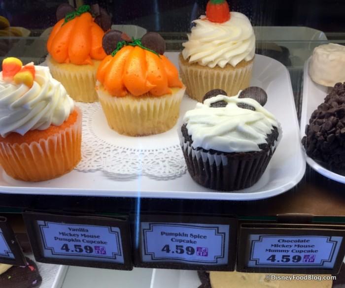 Halloween-themed Cupcakes