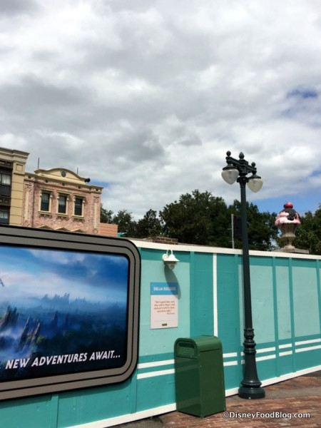 Construction Walls in Hollywood Studios