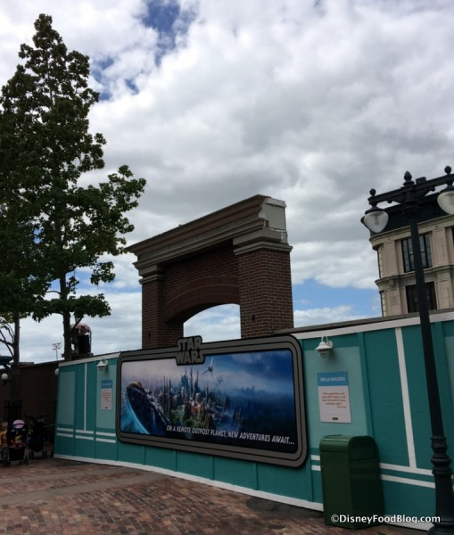 Construction Walls in Hollywood Studios