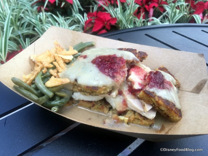 2016-epcot-holidays-around-the-world-american-holiday-table-slow-roasted-turkey-1