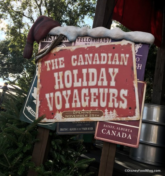 Holiday Voyageurs Sign