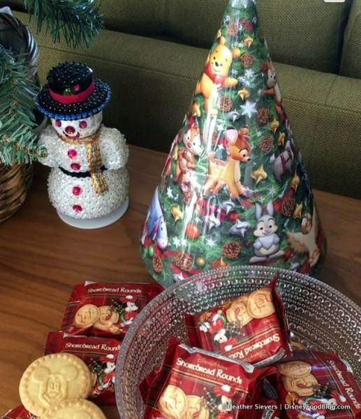 Musical Tree Tin with Shortbread Rounds