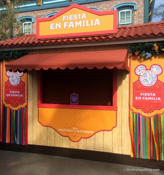 Fiesta En Familia Booth