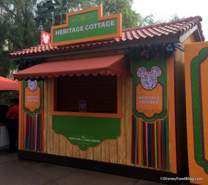 disneyland-disney-california-adventure-festival-of-holidays-2016-heritage-cottage-booth
