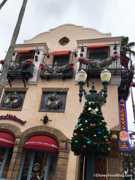 Disney's Hollywood Studios Holiday Decorations